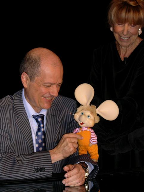 Michele Bovi con Maria Perego e Topo Gigio.