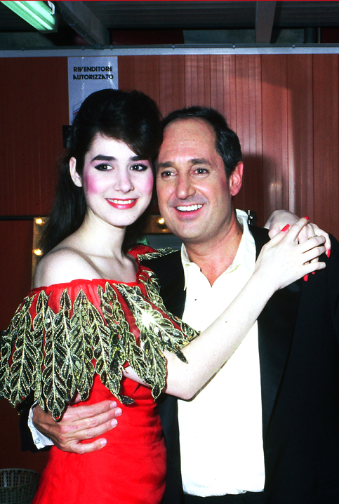 Neil Sedaka and his daughter, Dara, in 1984 at the Bussoladomani, Viareggio Italy.